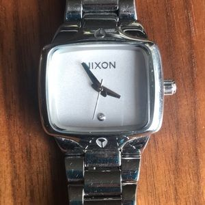 Nixon watch - the small player
